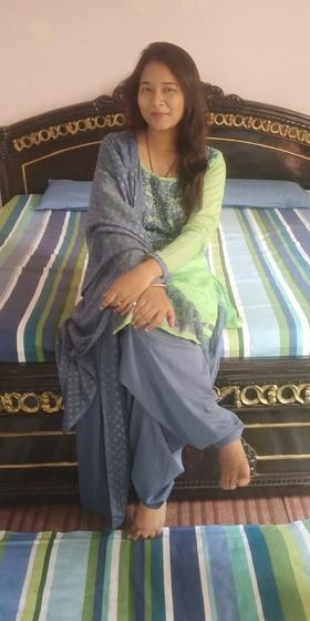 Esha Rehman portfolio image4