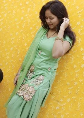 Esha Rehman portfolio image3